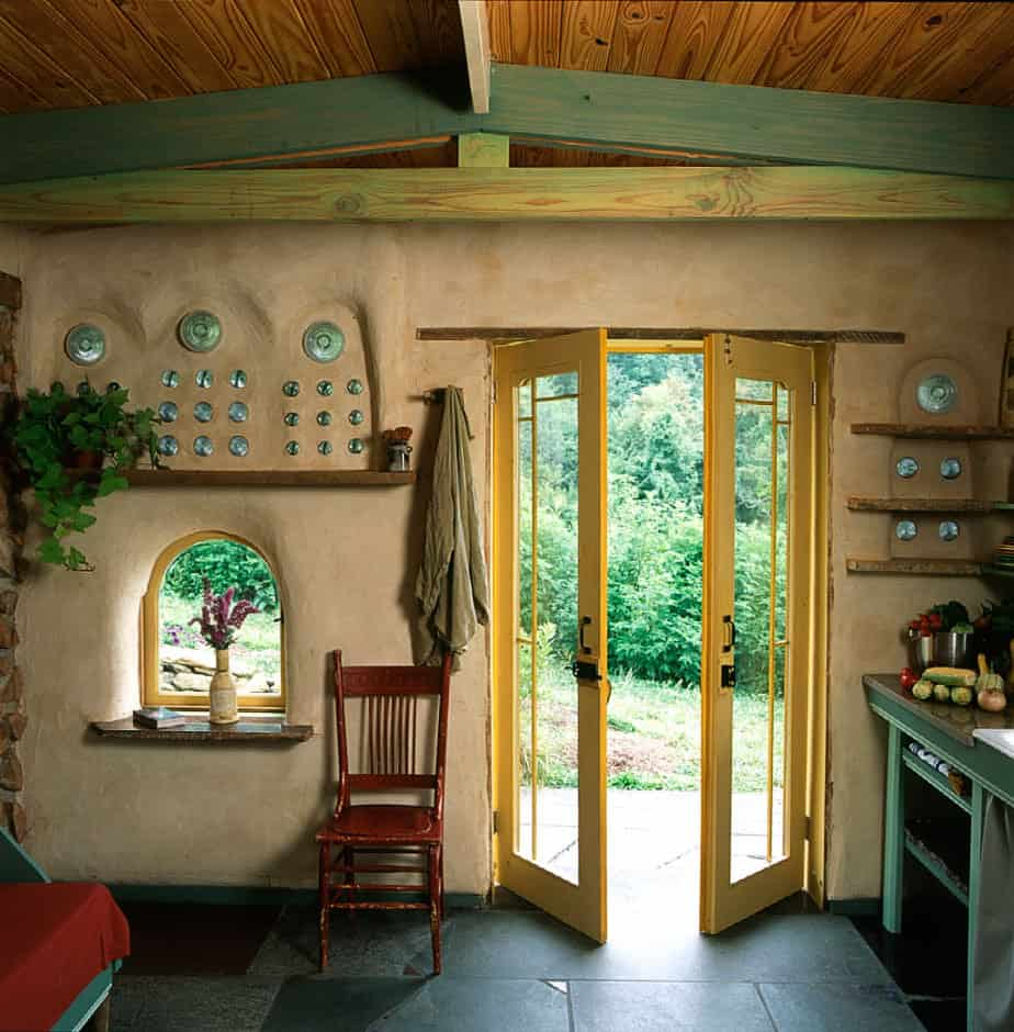 Vegans Living Off The Land: Inside Beautiful Cob Houses