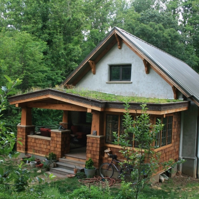Living roof over outdoor living and dining rooms